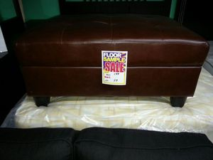Brown ottoman for Sale in Dearborn, MI