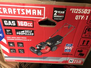 Craftsman gas 160cc self propelled lawn mower for Sale in Upper Marlboro, MD