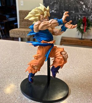 Super Saiyan Goku Figure for Sale in Tallahassee, FL