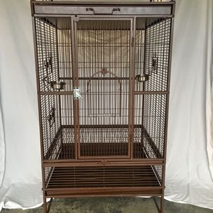 Large Bird Cage *Nice And Clean* for Sale in Puyallup, WA