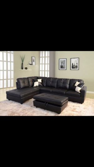 BRAND NEW SECTIONAL COUCH WITH STORAGE OTTOMAN for Sale in Ontario, CA