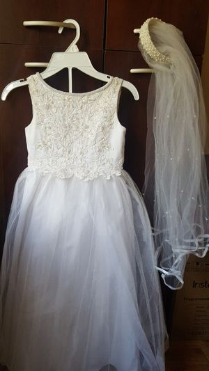 Size 5 white First Communion or flower girl dress for Sale in Lithonia, GA