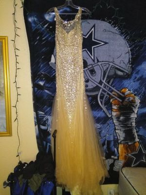 Proms dress or wedding dress for Sale in Dallas, TX