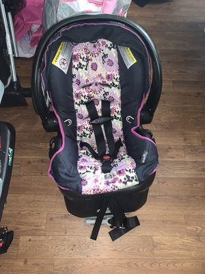 Girls Car Seat for Sale in Jacksonville, FL
