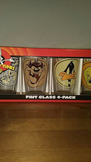 WB retro Looney Tunes Pint Glasses for Sale in Sanger, CA