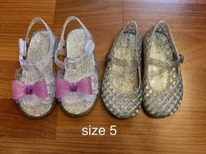 size 5 jelly shoes in very good condition for Sale in Buena Park, CA