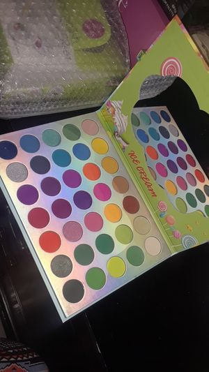Ice Cream Shadow Pallet for Sale in Houston, TX
