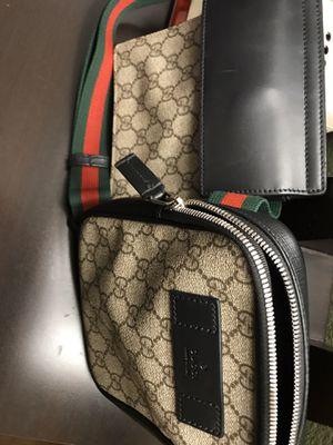 Gucci Supreme belt men's bag (authentic) for Sale in Los Angeles, CA