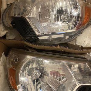 tayota tacoma headlights for Sale in Providence, RI