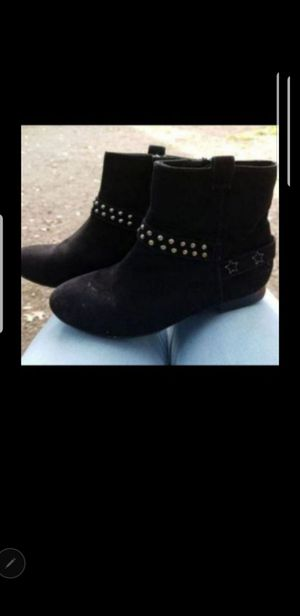 Girls boots size 1 good condition. Asking 8 for Sale in San Antonio, TX