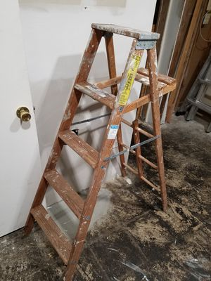 5 foot painting ladder for Sale in Alexandria, VA