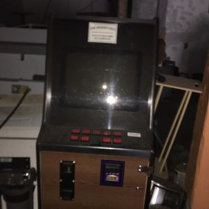 Video Poker Machine -takes cash! for Sale in Detroit, MI