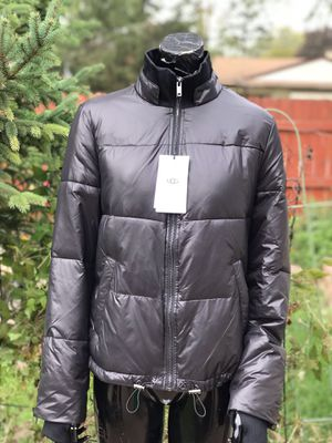 UGG WOMENS INSULATED PUFFER JACKET SIZE SMALL for Sale in Elk Grove Village, IL