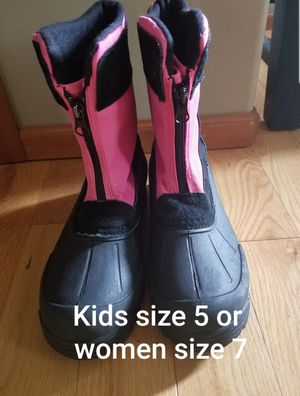 Northside big girls size 5 (women size 7) snow boots. for Sale in Renton, WA