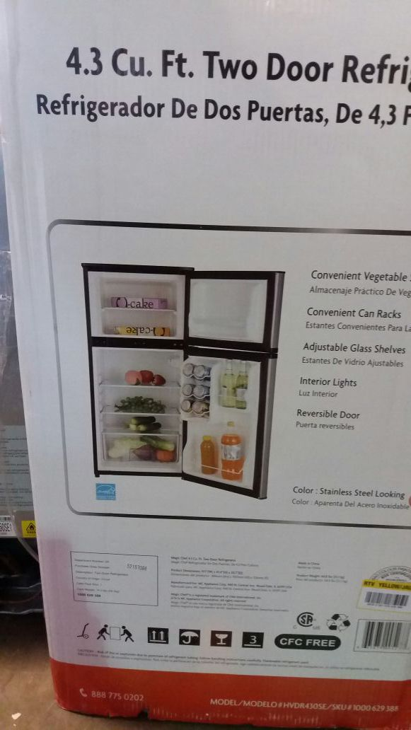 Magic Chef 4.3 Cu Ft 2 door mini refrigerator
