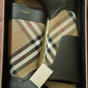 Authentic Womens Burberry Rainboots for Sale in Evanston, IL