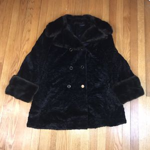 Vintage Aristocrat Genuine French Simulation Fur faux Lytton's Sycamore Brown Coat Gently used * Disclaimer * One button is missing a black top for Sale in Rock Cave, WV