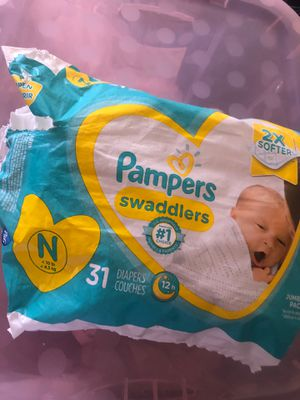 Open pampers newborn diapers for Sale in Fresno, CA
