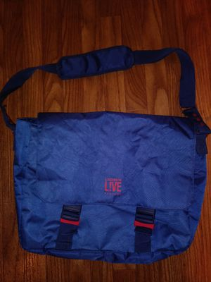 NEW LACOSTE L!VE PARFUMS MESSENGER BAG for Sale in Rancho Cucamonga, CA