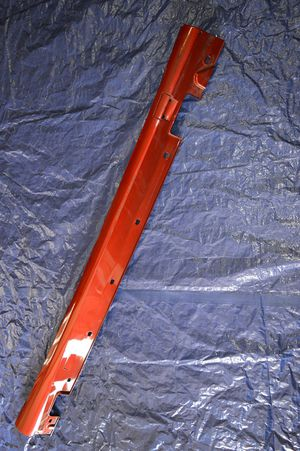 13-16 Mercedes-Benz ES350 OEM right passenger side skirt rocket panel for Sale in Hialeah, FL