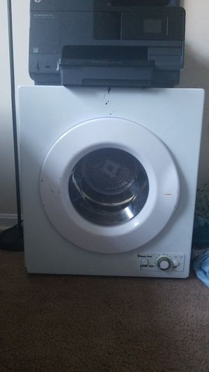 Magic Chef Mini Apartment Sized Dryer for Sale in Hyattsville, MD