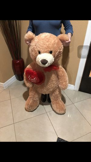 3/4 ft giant stuffed animal Bear for Sale in Pasadena, TX