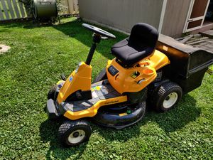 Cub Cadet 30 in. riding lawn mower for Sale in Medinah, IL