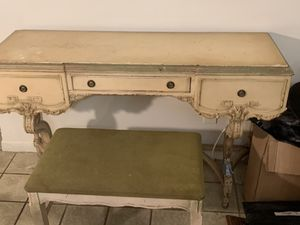 Antique desk with stool for Sale in Fort Lauderdale, FL