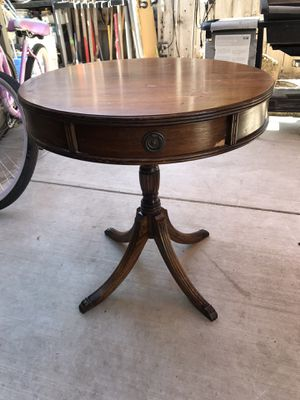 Beautiful antique table $150 firm for Sale in Modesto, CA
