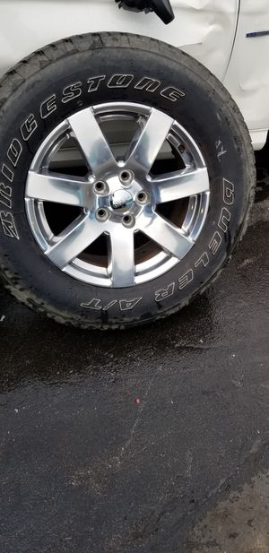 18inch Chrome Jeep Stock Wheels & Bridgstone Tires for Sale in Oakland Park, FL