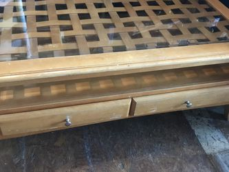Coffee Table Open Wednesday Thursday 12 To 5 for Sale in Spring Valley,  CA