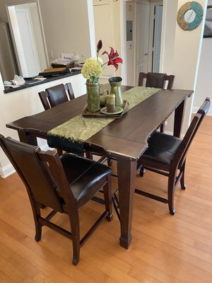 Dining Table with 4 Chairs for Sale in West Hollywood, CA