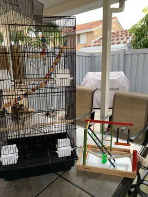 BRAND NEW 39' Bird Cage for Mid-Sized Parrots Cockatiels Parakeets Conures and wooden activity center for Sale in Miami, FL
