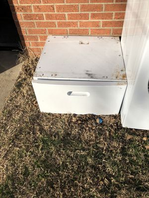Used Pedestal for Sale in Oklahoma City, OK