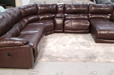 GENUINE LEATHER RECLINING SECTIONAL SOFA WITH CHAISE!!! PREVIOUSLY OWNED for Sale in Oviedo,  FL