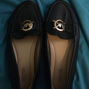 MICHAEL KORS MOCCASSINS/FLATS SIZE size 6.5 for Sale in Levittown, PA