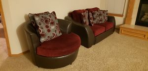 Love Seat,Spin around chair for Sale in Wichita, KS