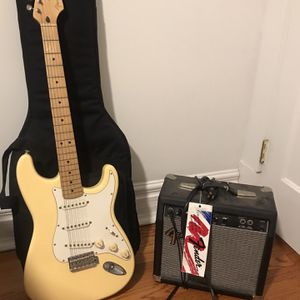 Fender Stratocaster Guitar With Amp And Case for Sale in Chicago, IL