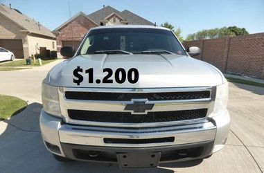 💲1.2OO I sell URGENT my family car 2011 Chevrolet Silverado Runs and drives great! Clean title. for Sale in Boise,  ID