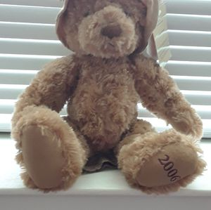 Authentic Burberry bear with signature bucket hat limited edition 2006 for Sale in Neptune City, NJ