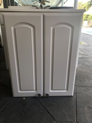 Bathroom cabinet with two shelves for Sale in Fort Lauderdale, FL