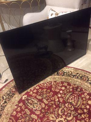 Hitachi 55 inch smart tv(black screen) for Sale in Rancho Cucamonga, CA