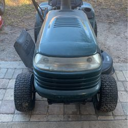 Craftsman riding lawn tractor for Sale in Winter Haven,  FL