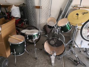 Full size full set drums for Sale in North Las Vegas, NV