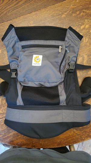 ERGObaby Performance Carrier with Infant Insert for Sale in Lynbrook, NY