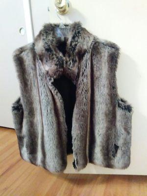 Alpine studios faux fur vest for Sale in Dearborn Heights, MI