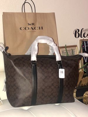 NWT COACH TRAVEL DUFFEL BAG AUTHENTIC for Sale in Victorville, CA