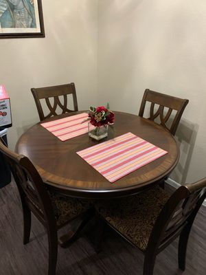 Kitchen table for Sale in Brea, CA