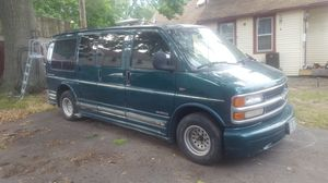 1998 Chevy express 3500 for Sale in Cleveland, OH