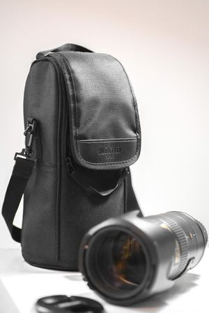Like New Nikon lens Nikkor 70-200 F2.8 gii ed with case for sale 📷 for Sale in Weehawken, NJ
